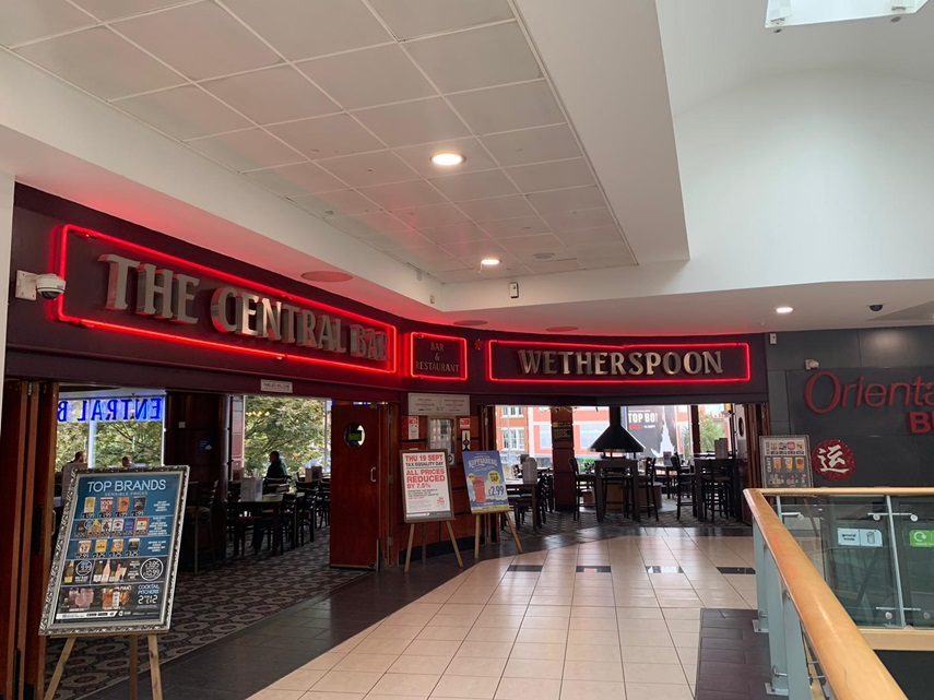 The Central Bar Pubs In Shepherds Bush J D Wetherspoon