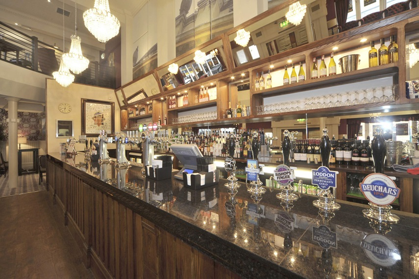 Pubs In Oxford - The Four Candles - J D Wetherspoon