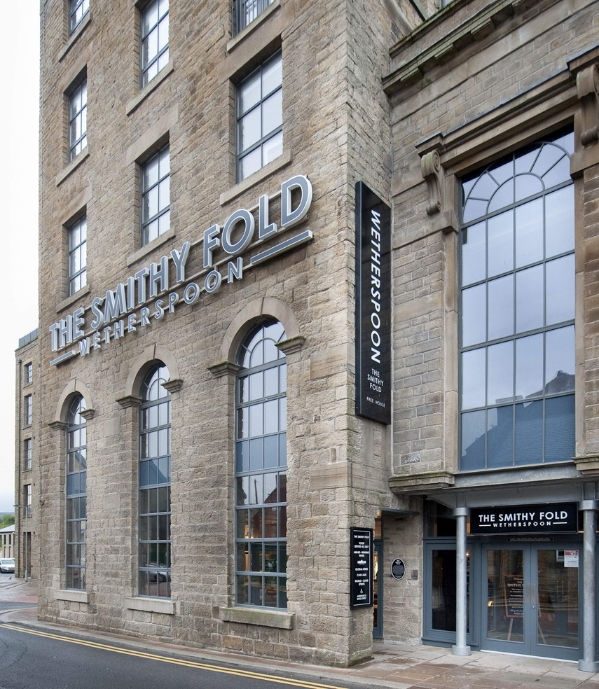 The Smithy Fold Pubs In Glossop J D Wetherspoon